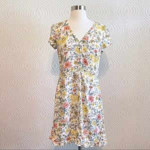 NWT Loft Floral Dress with Buttons, size 2 Petite